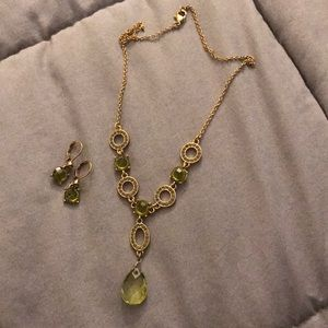 Green Necklace with earrings